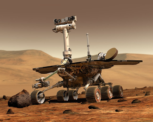 Image: Mars Rover, by WikiImages on Pixabay