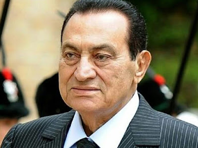 وفاة حسني مبارك الرئيس الأسبق لمصر بأزمة قلبية