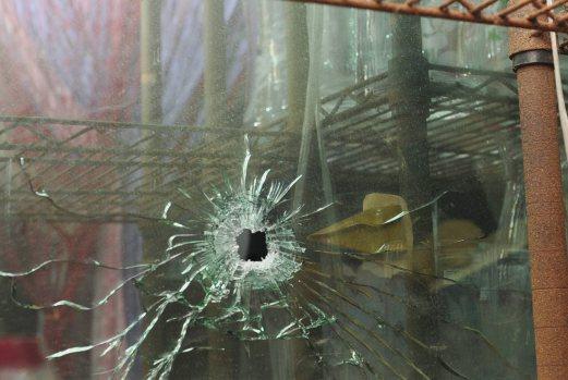 Penjenayah Tahan Tebusan Di Ayer Hitam Maut Ditembak Polis