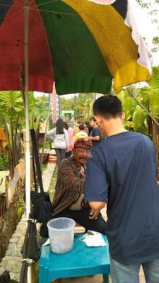 pasar ndelik kampung flory