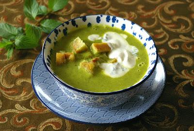 zupa krem z cukinii i mięty