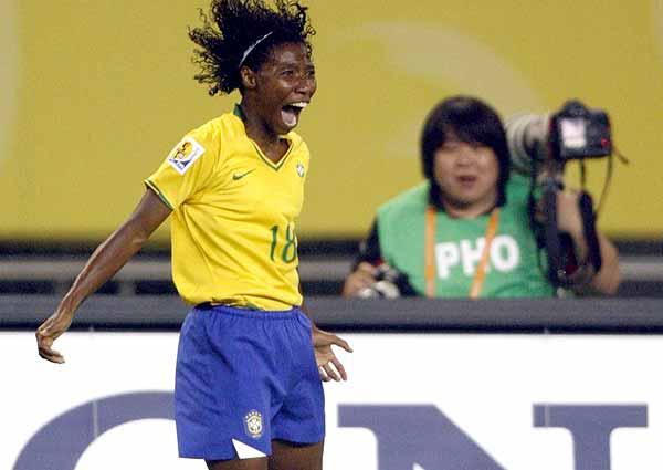 Heroínas do Futebol:Pretinha #07