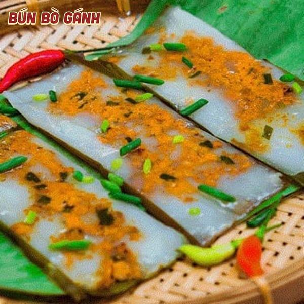 Bánh Nậm Gói Lá Chuối - Steamed Rice Pancake with Shrimp Wrapped in Banana Leaf