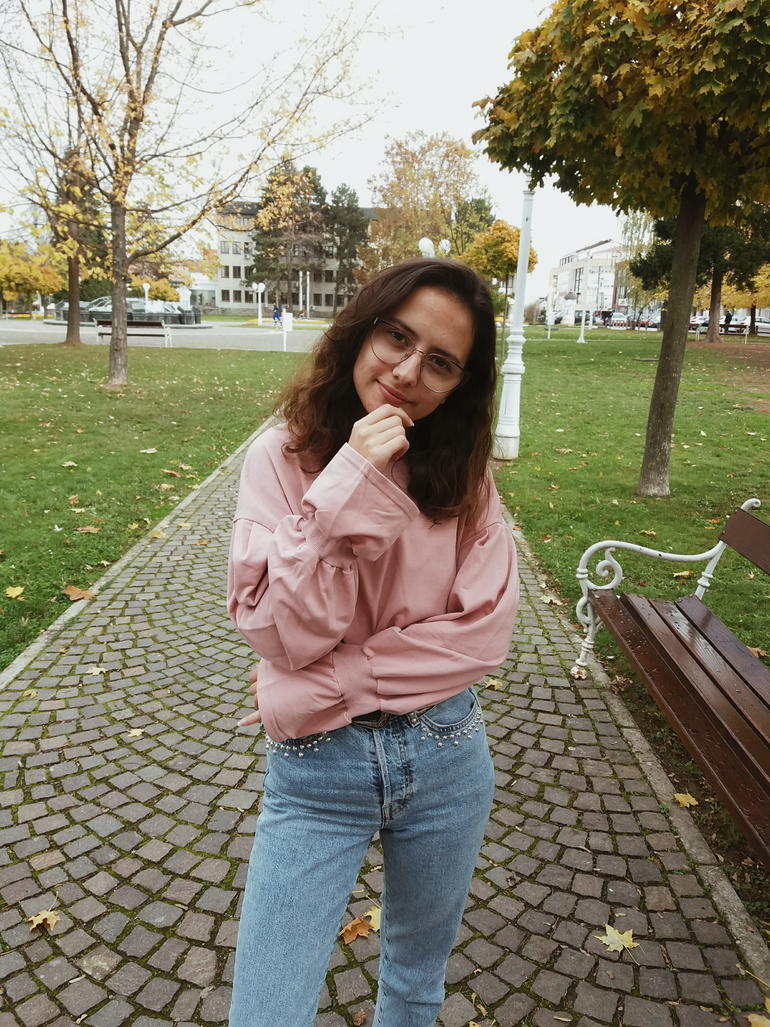 ps minimalist blog,fashion and personal style blogger valentina batrac,teen beauty and fashion bloggers from croatia,fall 2017 trends and outfit ideas,autumn street style,bell sleeve sweatshirt outfit,zaful clothes review