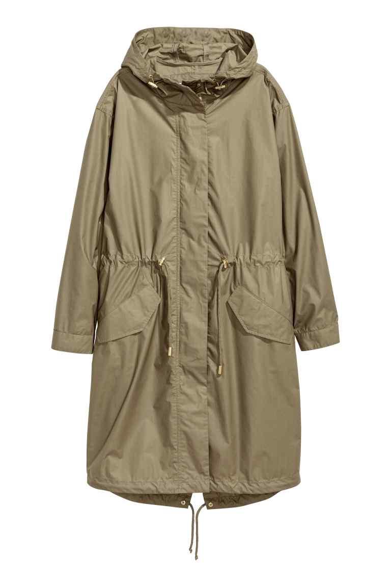 H&M parka z kapturem khaki, kurtka parka H&M, co kupić na wyprzedaży