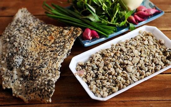 Cách làm món hến xào xúc bánh đa ngon chuẩn vị miền Trung