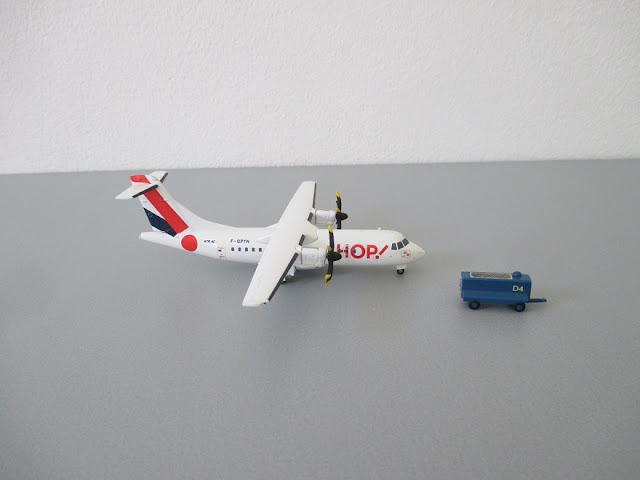 1/144 1/200 ATR 72 diecast metal aircraft miniature