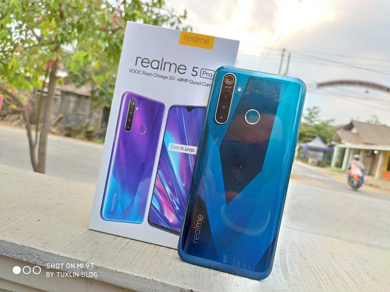 Realme 5 Pro Review: Performa Makin Kencang, Tampang Makin Cantik!