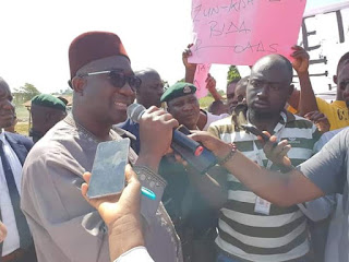 Governor Abubakar Sani Bello calls for calm as Zungeru Youths protest bad roads , Writes letter to Mr Governor