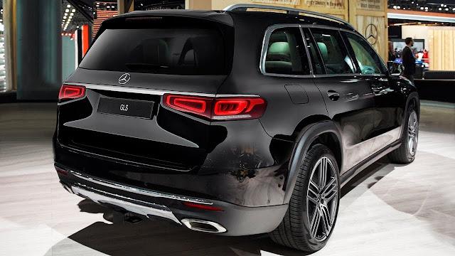 Đánh giá Mercedes GLS 450 4MATIC 2021