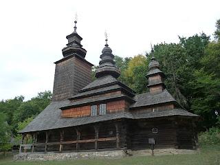 Пирогів. Музей народної архітектури і побуту. Церква Покрови Пресвятої Богородиці
