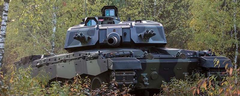 Модернізований Challenger прошиває Т-72 навиліт