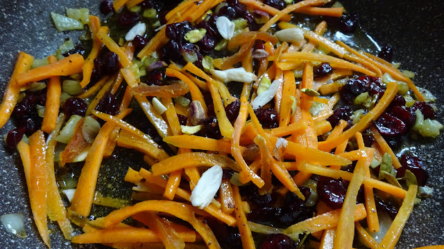 persian-jewled-rice-easy-vegan-healthy-vegetarian-ramadan-recipes-persian-cuisine-almonds-rose-carrots-banaspati-Eid