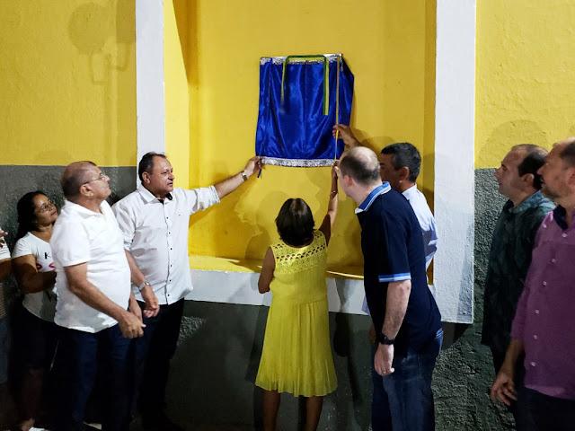 Prefeito em exercício Raimundinho do Charito inaugura praça e anuncia construção do Salão dos Idosos em Charito.
