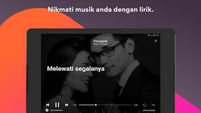 Ketika kita mendengarkan musik di Android Cara Menampilkan Lirik Lagu Tanpa Internet di Android