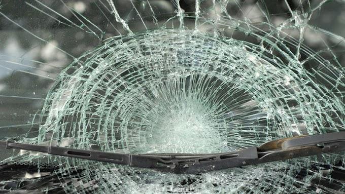 Oszlopnak csapódott egy autó Berettyóújfaluban