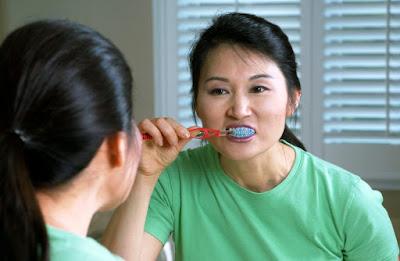 मुंह की बदबू से छुटकारा पाने के उपाय
