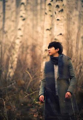 Lee Seung Gi memang sudah bernyanyi dikala masih sekolah yang tergabung dalam sebuah grup b Biodata Lengkap Lee Seung Gi
