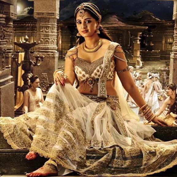 anushka shetty pics in bahubali 2