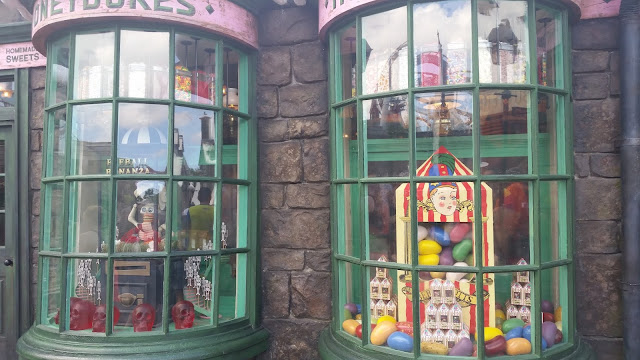 Honeydukes outside