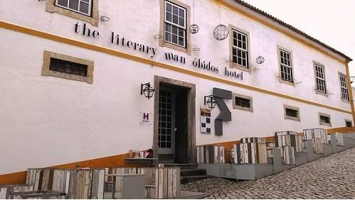 perpustakaan, kutu buku, hotel perpustakaan
