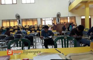 Mahasiswa Baru Unigoro Laksanakan Daftar Ulang