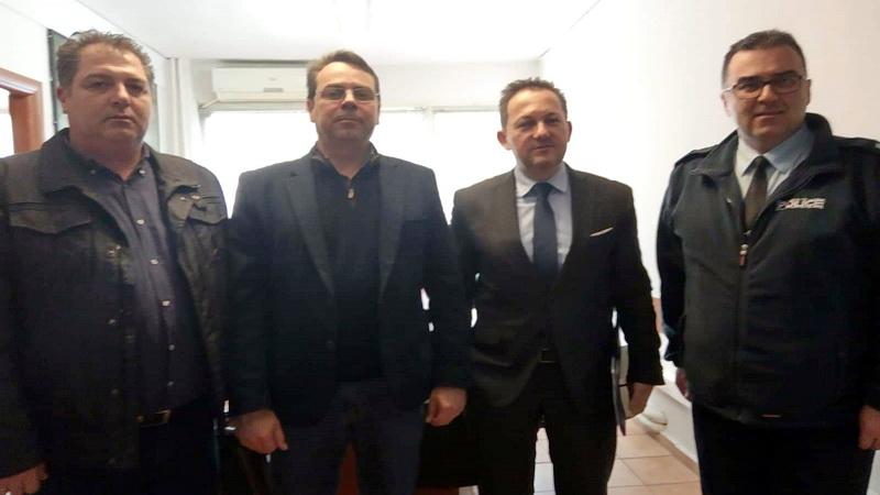 Συνάντηση συνδικαλιστών αστυνομικών της Αλεξανδρούπολης με τον Υφυπουργό και κυβερνητικό εκπρόσωπο Στέλιο Πέτσα