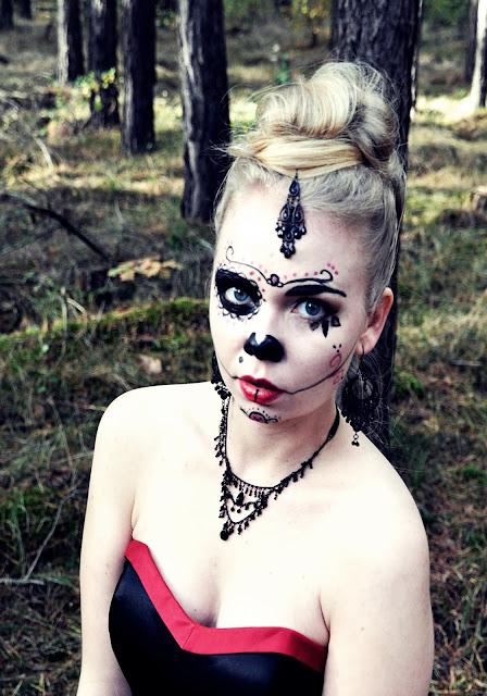 Kostüm Halloween DIY Totenmaske
