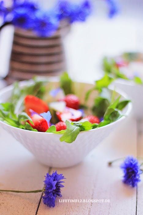 lifetime rucolasalat mit erdbeeren und parmesan. Black Bedroom Furniture Sets. Home Design Ideas