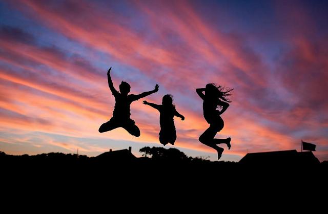 8 inspirujących cytatów o szczęściu