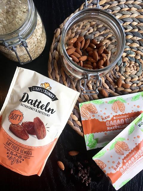 Die Zutaten für unsere Kakao Raw Bars