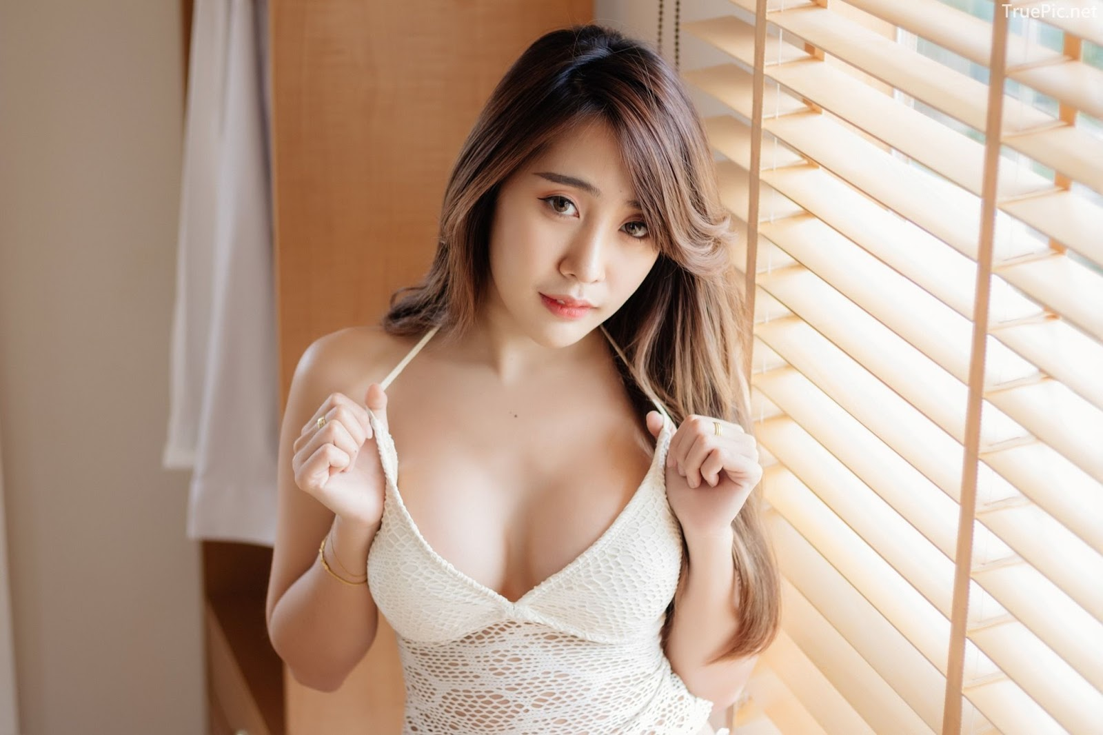 Thailand model Suneta Ngachalvy so sexy with album Bring me a Donut - Picture 4