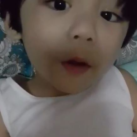 """Meet Angel Locsin's Youngest And Cutest Admirer Who Keeps On Saying: """"Balikan natin si Angel Locsin!"""""""