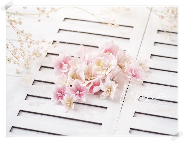 Kwiaty z foamiranu z nowych wykrojników Craft & You design