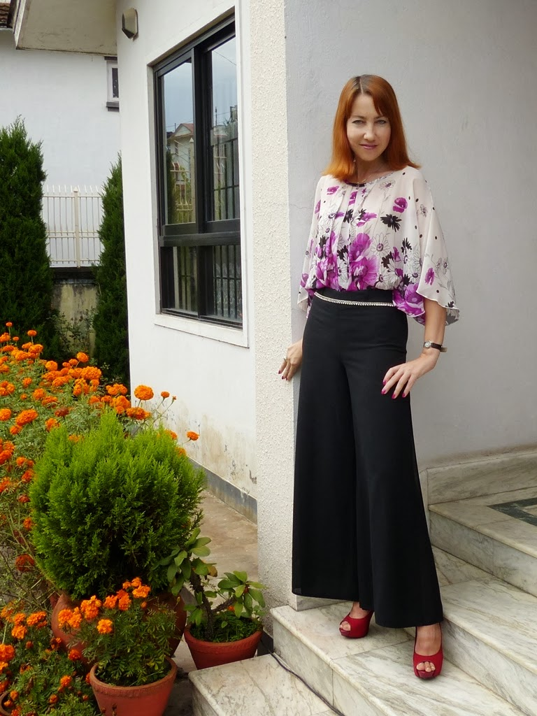 Local Style Maxi Culotte Pants And Floral Blouse For Semi Formal Dinner