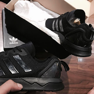 Một vài thương hiệu giày sneaker làm cánh mày râu mê đắm