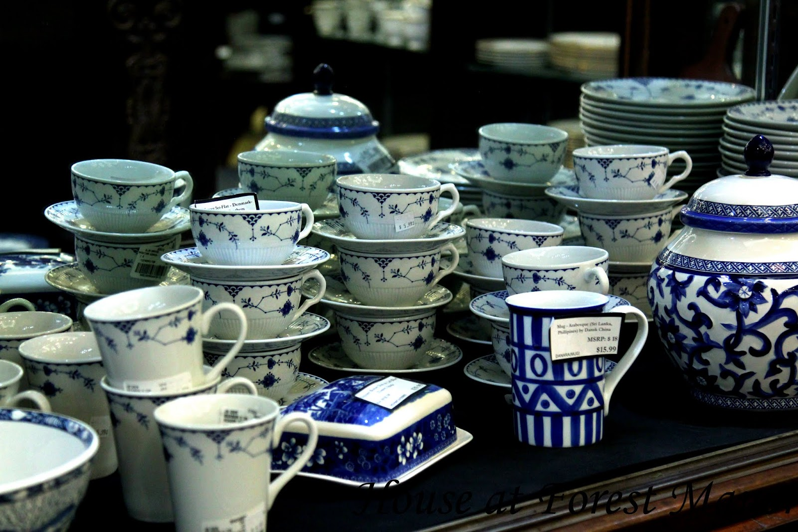 I chose to share this picture first because this pattern is so similar to my everyday dishes that Iu0027ve had for over 20 years now. Itu0027s one pattern that Iu0027ve ... & House at Forest Manor: Blue and White at Replacements Ltd.