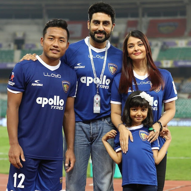 Bollywood-actor-Abhishek-Bachchan-family-isl-2017-18-players