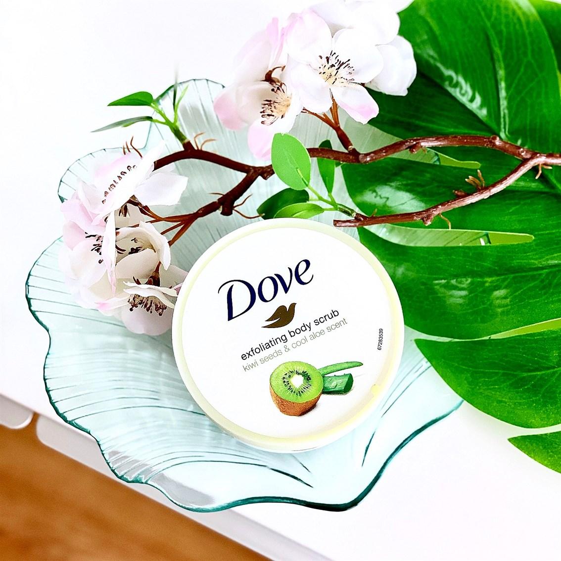 Dove złuszczający peeling do ciała kiwi i aloes