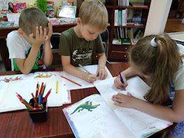 Дети рисуют школьный лагерь Усмішка НВК № 59 бібліотека-філія №4 М.Дніпро