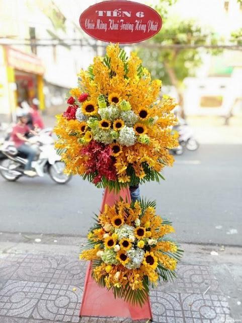 chon hoa tang khai truong