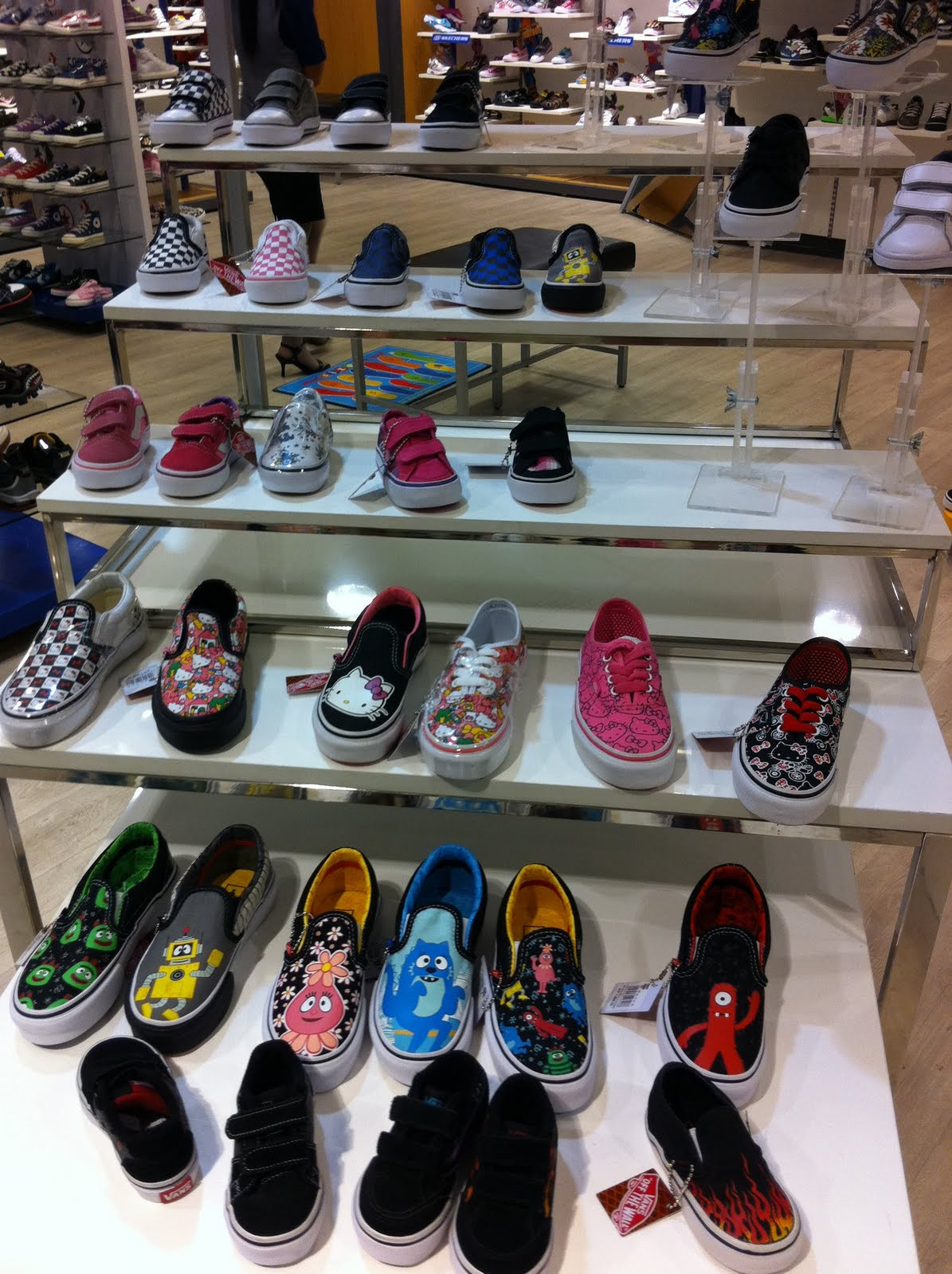 8677d049609f shoe department vans Sale