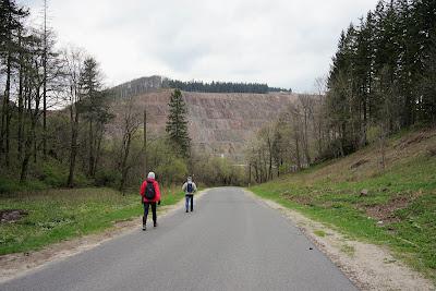 Kopalnia melafiru w Rybnicy Leśnej - góra eksploatowana przez zakład