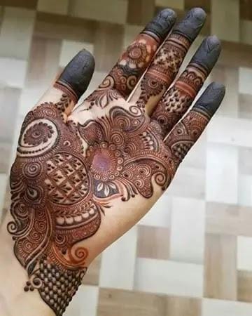 very-beautiful-front-hand-henna