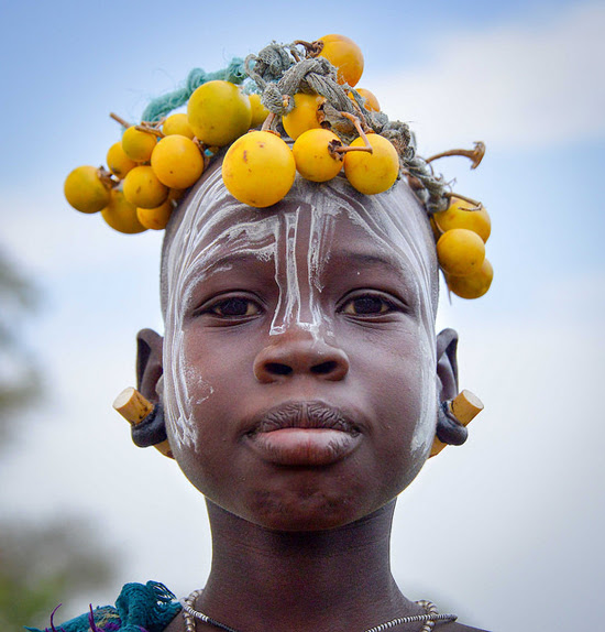 Safari Fusion blog | Faces | Mursi girl, Ethiopia | Photographer Rod Waddington