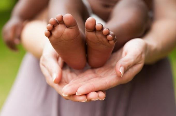 A holland kormány felfüggesztette az örökbefogadásokat külföldről