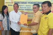 Politisi Partai Golkar Robby Sangkoy Mendaftar Calon Wakil Bupati