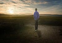 Illuminati dalla Parola, sospinti dallo Spirito, occorre perseguire l'alternativa evangelica al pensiero dominante.