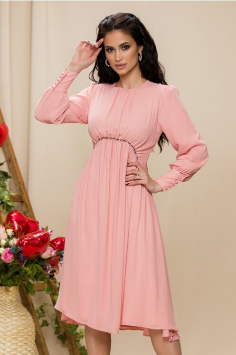 Rochie Selena roz somon cu pliuri si strasuri in talie
