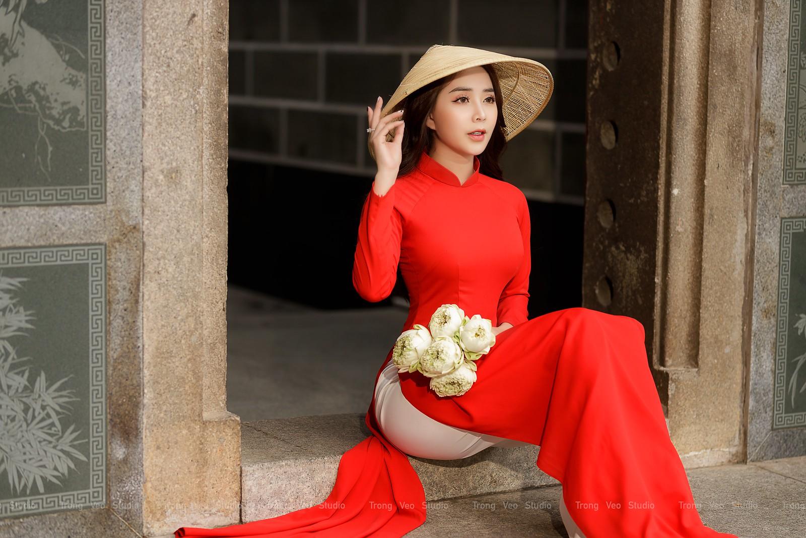 Ngắm hot girl Lục Anh xinh đẹp như hoa không sao tả xiết trong tà áo dài truyền thống - 19